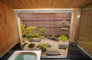 浴室とバルコニー(室内4)