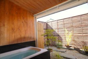 浴室のひのき壁(室内7)